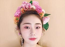 甜美日系鲜花新娘化妆作品